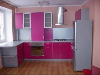 Розовая угловая кухня  - Мебельная фабрика «Три кита»