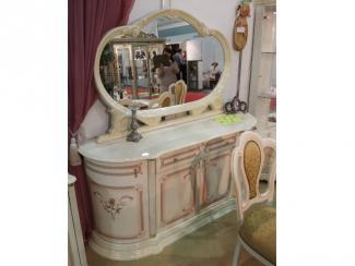 Мебельная выставка Москва: столик