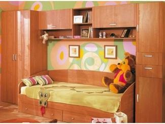 Вместительная мебель для детской №9