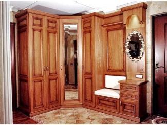 Шкаф в прихожую из массива дерева