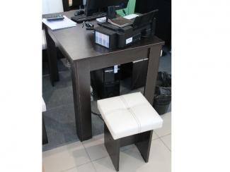 Мебельная выставка Сочи: стол, табурет