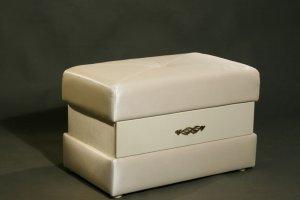 Банкетка обитая кожей 100080 айвори - Импортёр мебели «Санта Лучия»
