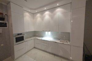 Белая глянцевая кухня - Мебельная фабрика «Гранд Мебель 97»