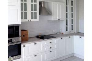 Белая классическая Кухня 040 - Мебельная фабрика «Ре-Форма»