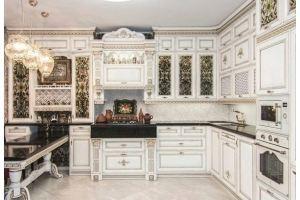 Белая угловая кухня с патиной - Мебельная фабрика «Маруся Мебель»