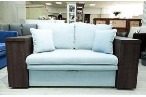 Белый диван с деревянными подлокотниками - Мебельная фабрика «Петролюкс»