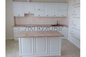 Белый кухонный гарнитур с островом - Мебельная фабрика «700 Кухонь»