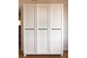 Белый шкаф из массива сосны - Мебельная фабрика «Массив»