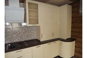 Бежевая угловая кухня - Мебельная фабрика «Эльф»