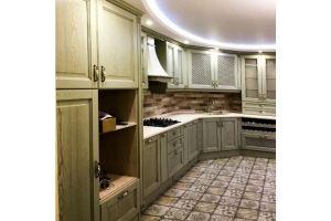 Большая зеленая кухня - Мебельная фабрика «Массив»
