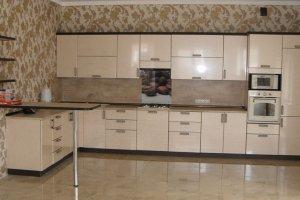 Большая бежевая кухня - Мебельная фабрика «ДОН-Мебель»