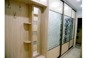Большая прихожая со шкафом-купе - Мебельная фабрика «FORSETI»