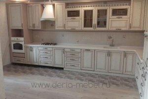 Большая угловая кухня в классическом стиле - Мебельная фабрика «Дэрия»