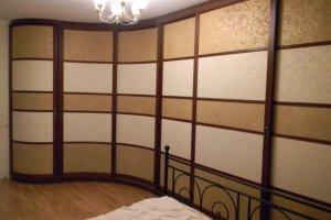 Большой Радиусный шкаф-купе в спальню - Мебельная фабрика «HOLZ»