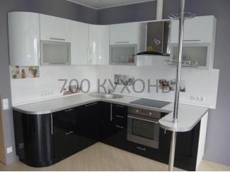 Черно-белая глянцевая кухня  - Мебельная фабрика «700 Кухонь»