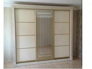 Шкаф с декоративной отделкой и зеркалом - Мебельная фабрика «Таурус»