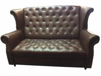 Классический диван с высокой спинкой