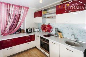 Кухня БЕРГАМО  с окном - Мебельная фабрика «Триана»