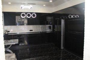 Черная глянцевая кухня - Мебельная фабрика «Симбирский шкаф»