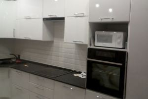 Угловая кухня глянец - Мебельная фабрика «КУХНИАРТ»