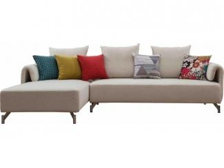 Угловой диван с яркими подушками  - Импортёр мебели «CОMMODA (Китай, Таиланд)», г. Москва