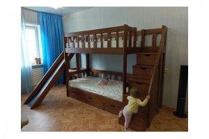 Деревянная двухъярусная кровать с лестницей и горкой - Мебельная фабрика «Массив»
