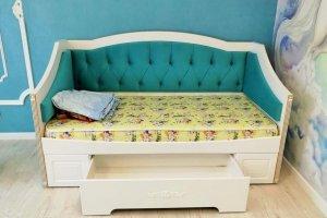 Детская кровать с  мягкой спинкой - Мебельная фабрика «Лига»
