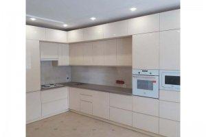 Двухуровневый кухонный гарнитур эмаль - Мебельная фабрика «Таита»