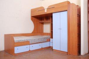 Двухъярусная детская кровать со шкафом - Мебельная фабрика «Командор»