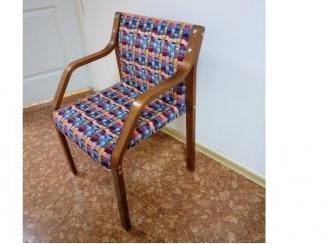 Стул  с деревянными подлокотниками - Мебельная фабрика «Сириус»