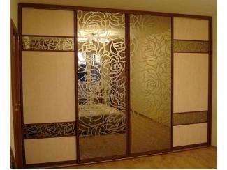 Шкаф-купе с пескоструйным фасадом  - Мебельная фабрика «Прага Мебель»