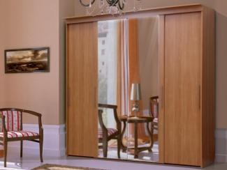 Шкаф-купе 4-х дверный с зеркалом