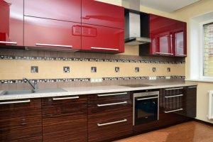 Глянцевая кухня зебрано 5 - Мебельная фабрика «Вертикаль»