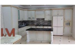 Классическая кухня с островом - Мебельная фабрика «Люси»