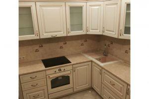 Классическая кухня с патинированными фасадами Мебельяр - Мебельная фабрика «Киржачская мебельная фабрика»