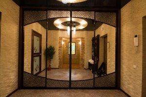 Красивый шкаф-купе в коридор - Мебельная фабрика «Найди»