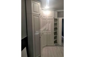 Красивый светлый шкаф в прихожую - Мебельная фабрика «Мастер-М»