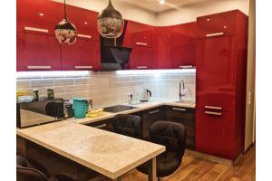 Красная угловая кухня - Мебельная фабрика «Три кита»