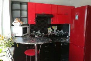 Красно-черная компактная кухня - Мебельная фабрика «Мебель Шик»