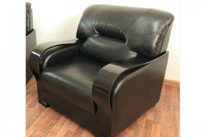Кресло черное Лео 36 - Мебельная фабрика «Лео Люкс»