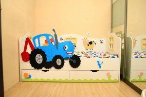 Кровать детская Веселый трактор - Мебельная фабрика «Дубок»