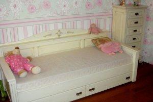 Кровать-диван из массива дуба в детскую - Мебельная фабрика «Эксклюзив-Пинск»