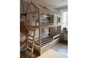 Кровать-домик двухъярусная деревянная - Мебельная фабрика «Массив»