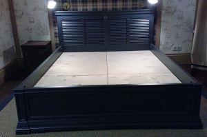 Кровать из массива двуспальная - Мебельная фабрика «Винтаж»