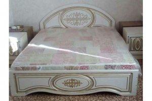 Кровать спальная патинированная - Мебельная фабрика «Натали»