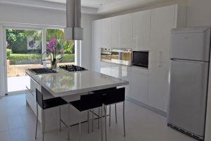 Кухня белая Chiara - Мебельная фабрика «Курдяшев-мебель»