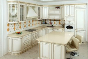 Кухня белая угловая с островом - Мебельная фабрика «Курдяшев-мебель»