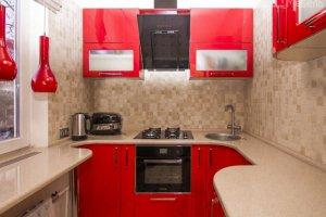 Кухня глянцевая эмаль красного цвета - Мебельная фабрика «Маруся мебель»