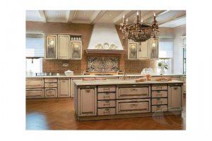 Кухня из массива Европа - Мебельная фабрика «КухниДар»