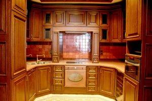 Кухня компактная п-образная массив - Мебельная фабрика «Мебель Продакшн»